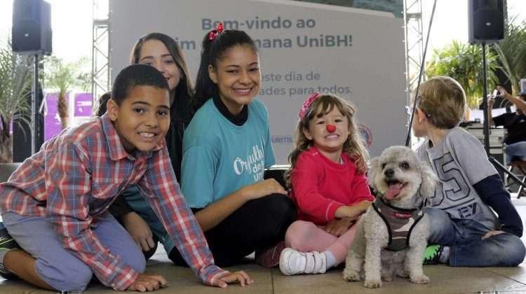 Crianças e pets brincaram sob orientação do Campus Aberto - Foto - William Araújo