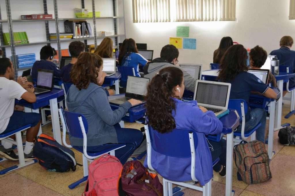 Alunos_em_sala_de_aula_Divulgacao_Escola_Americana_de_Belo_Horizonte