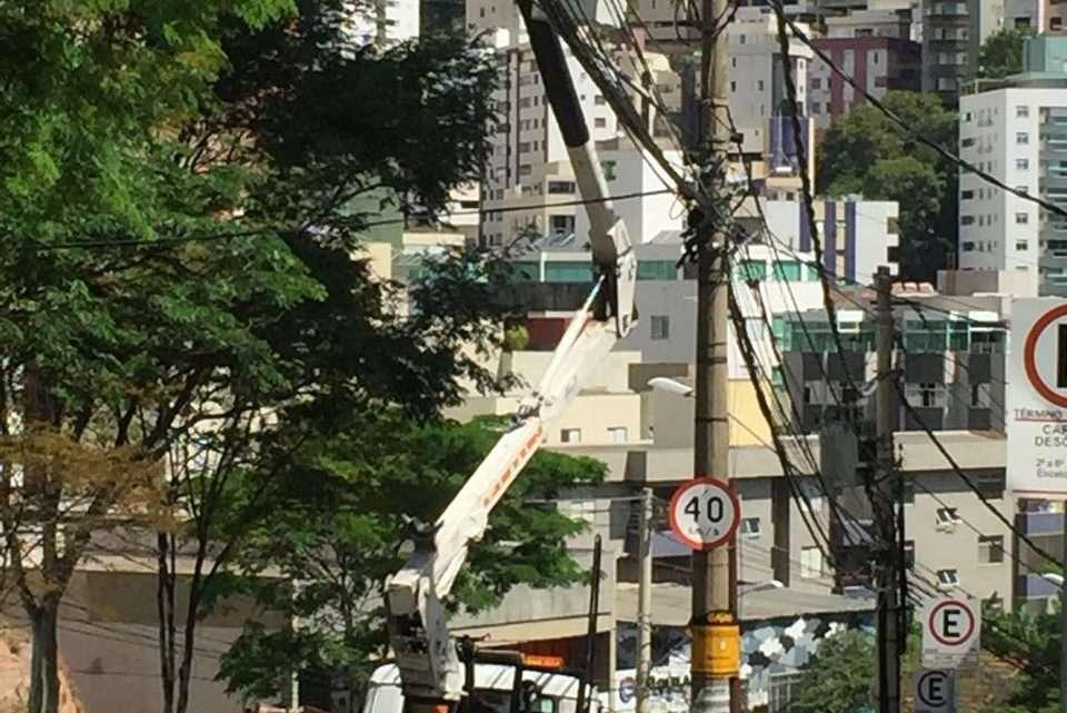 Poste sendo reestruturado - Foto Ney Felipe