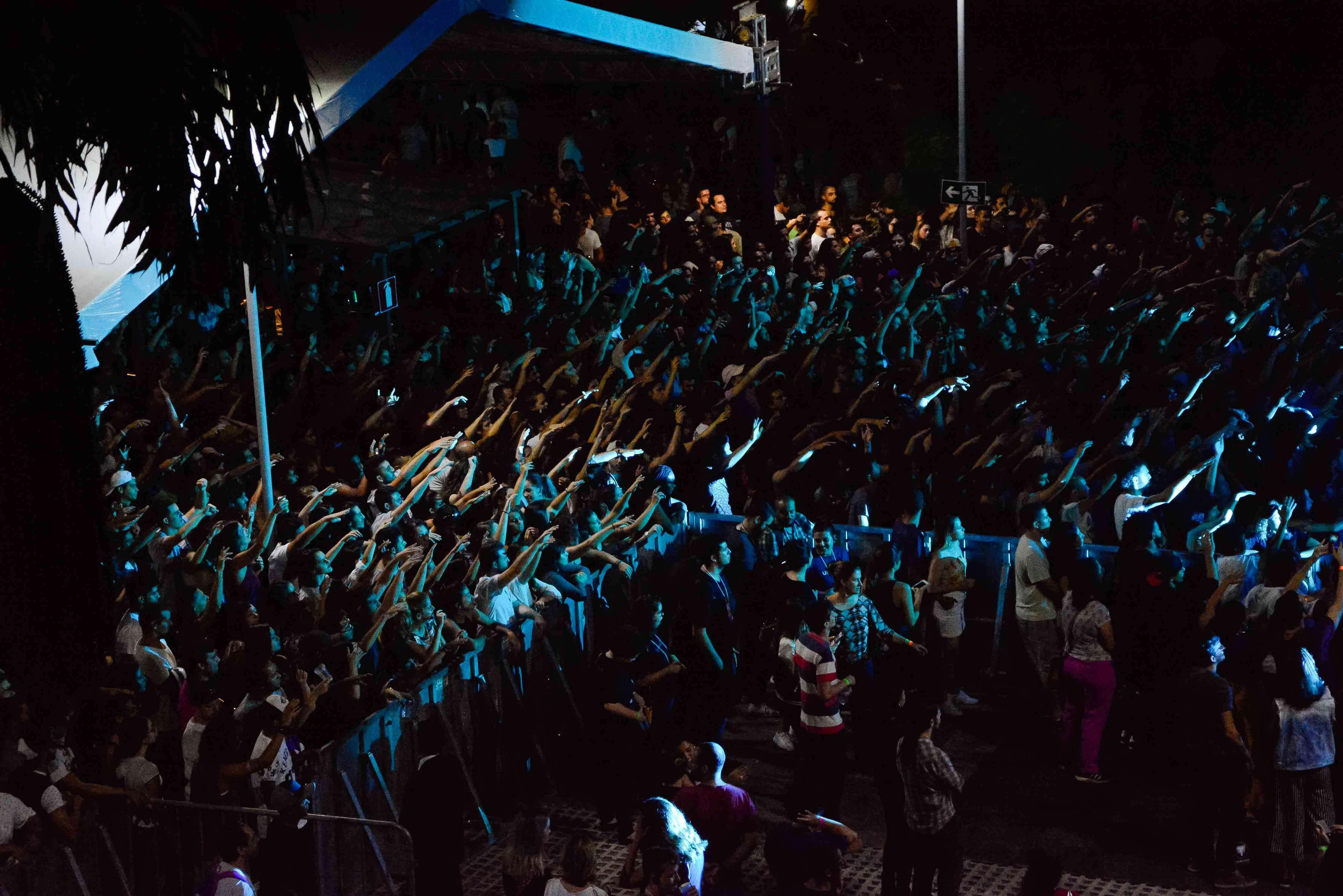 Público vibrante na apresentação do Criolo - Foto Maykel Douglas